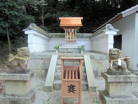 琴平神社の祠
