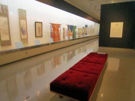 奈良県立美術館の館内