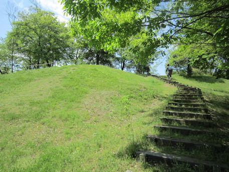 倉塚古墳の階段