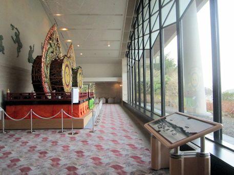 奈良県立万葉文化館の展望ロビー