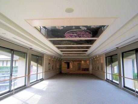 奈良県立万葉文化館の廊下