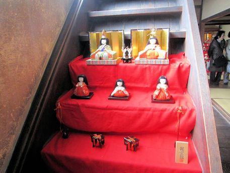 階段の雛人形