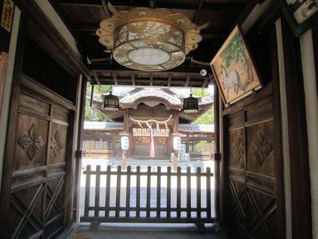 柳沢神社割拝殿と本殿