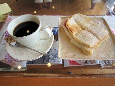 サンドウィッチと水出し珈琲