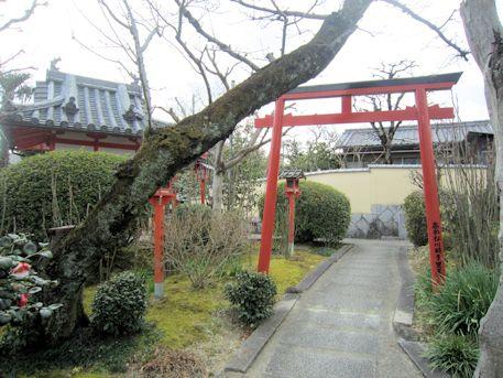 永慶寺弁天堂の鳥居