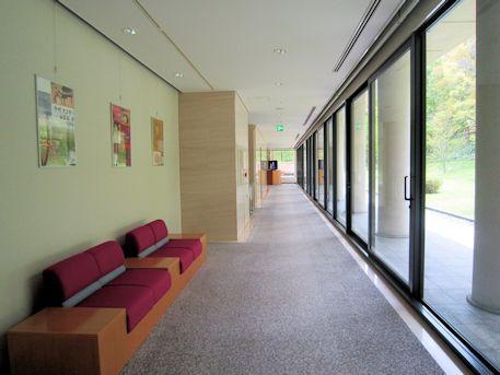 日本画展示室奥の廊下