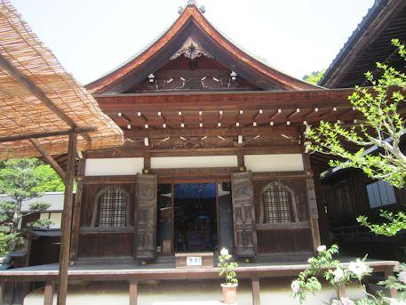 岡寺の開山堂