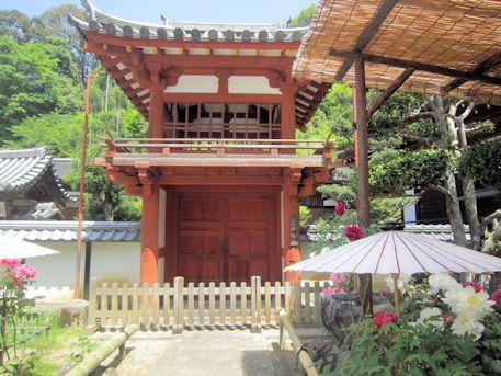 岡寺の楼門