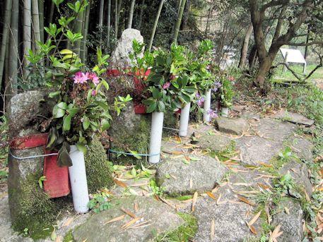 八講桜の地蔵