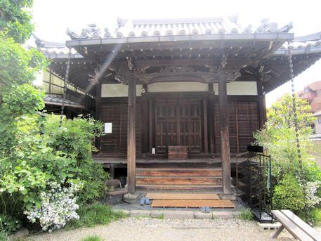 璉珹寺本堂