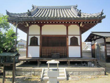 向原寺の薬師堂