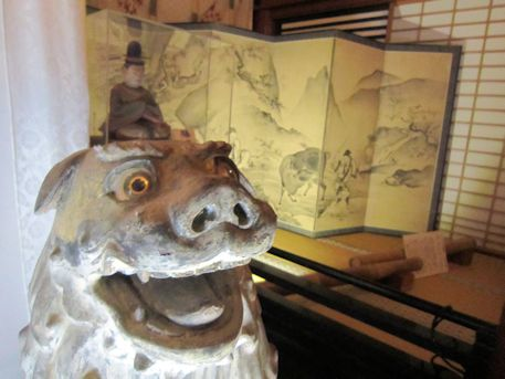 狛犬と勝軍地蔵