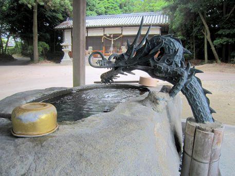 讃岐神社の手水舎