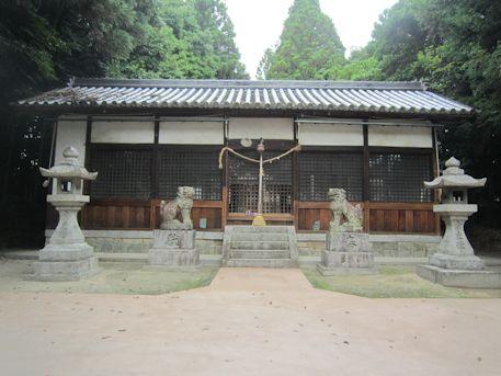 讃岐神社拝殿
