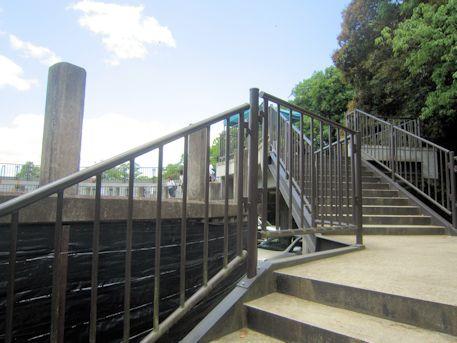 鹿苑の階段