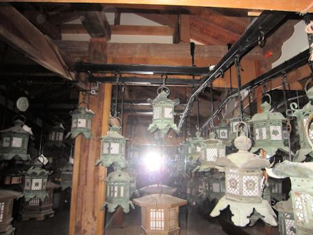 藤浪之屋の万燈籠