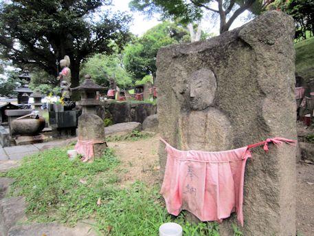 興福寺境内の地蔵