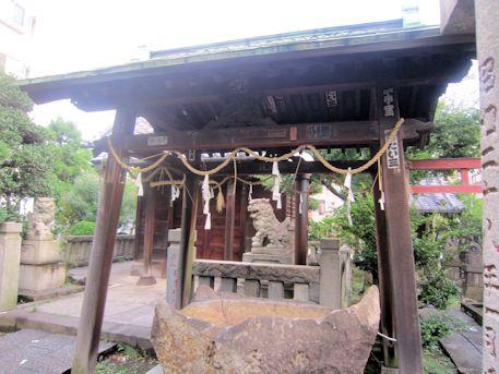 野見宿禰神社の手水舎