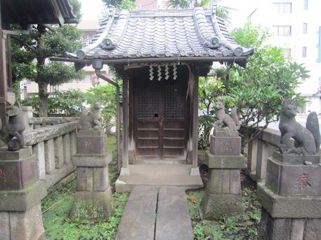 野見宿禰神社の稲荷神