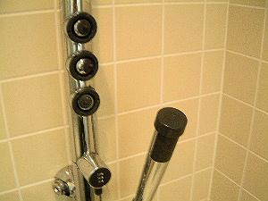 客室の高機能シャワータワー