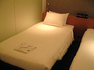 ザ・ビー赤坂の客室ベッド