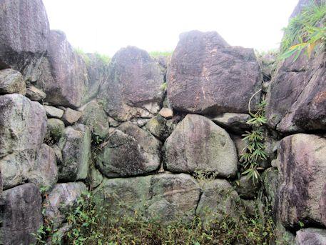 八釣マキト5号墳の奥壁