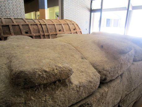 橿原考古学研究所附属博物館展示の家形石棺