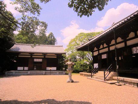 海龍王寺本堂と西金堂
