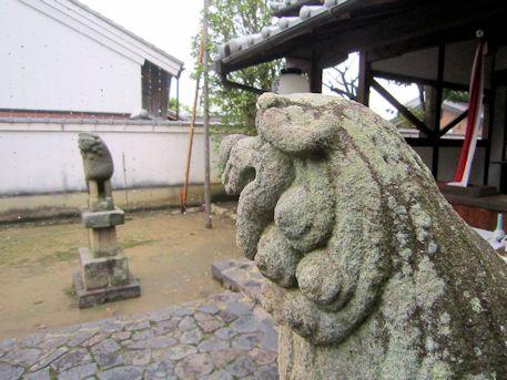 鎮宅霊符神社の狛犬