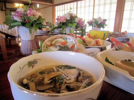 キノコと菊菜の煮浸し