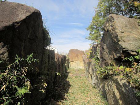 塚穴山古墳の横穴式石室