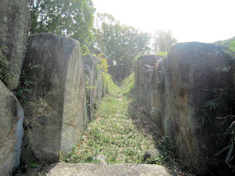 両袖式横穴式石室