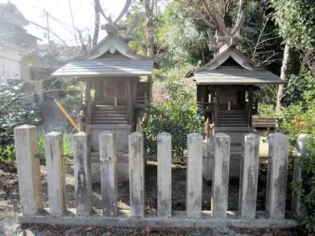 牟佐坐神社の境内社