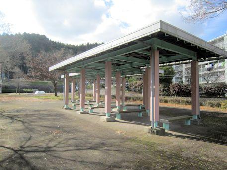 白橿近隣公園の休憩所