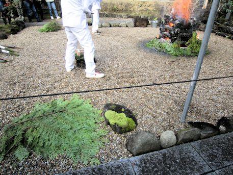 護摩祈祷の桧葉