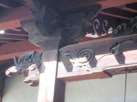 法楽寺地蔵堂の木鼻