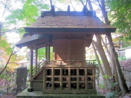 穴師坐兵主神社の祠
