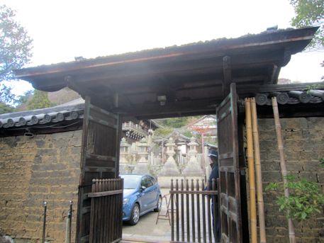 東大寺開山堂の門