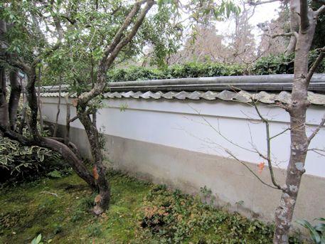 東大寺開山堂の塀