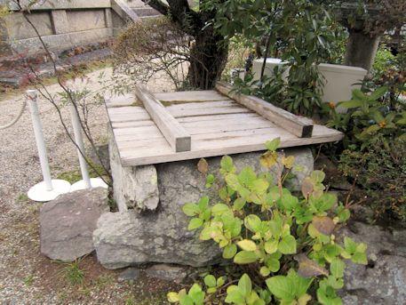 東大寺開山堂の井戸