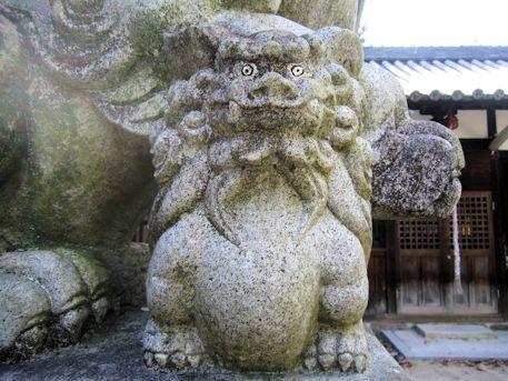 孝霊神社の子取り狛犬