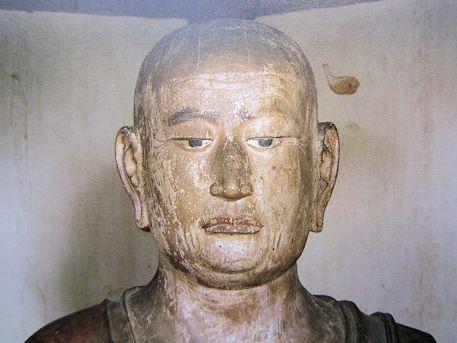 良弁僧正坐像の尊顔