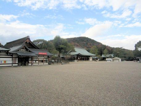 橿原神宮と畝傍山