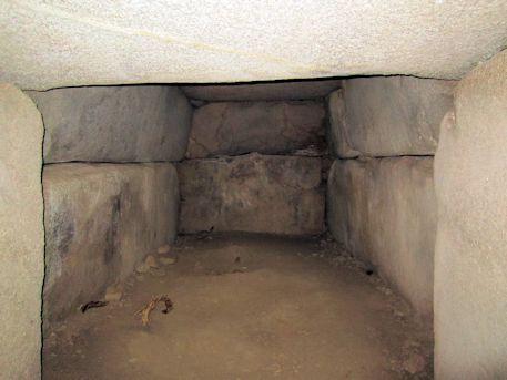 峯塚古墳の玄門