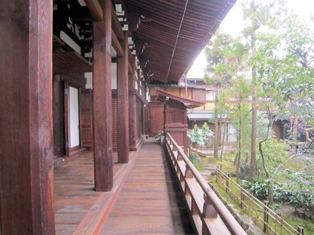 浄教寺本堂の廊下