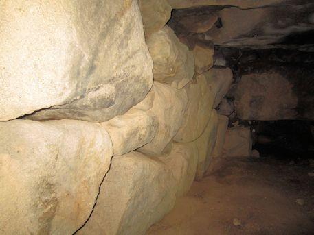長瀬藪1号墳の羨道側壁