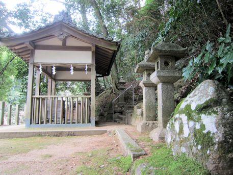 豊日神社の磐座