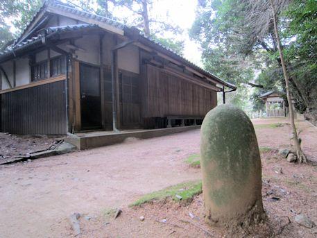 豊日神社境内