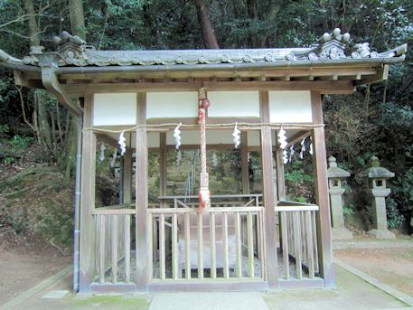 豊日神社拝殿