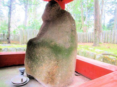 壺神神社の石像
